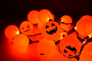 3 Tips for Planning a Halloween Party thumbnail